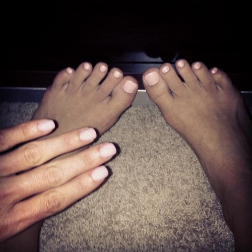 Brooke-Adamss-Feet-829bbf5c8505b435d1.jpg