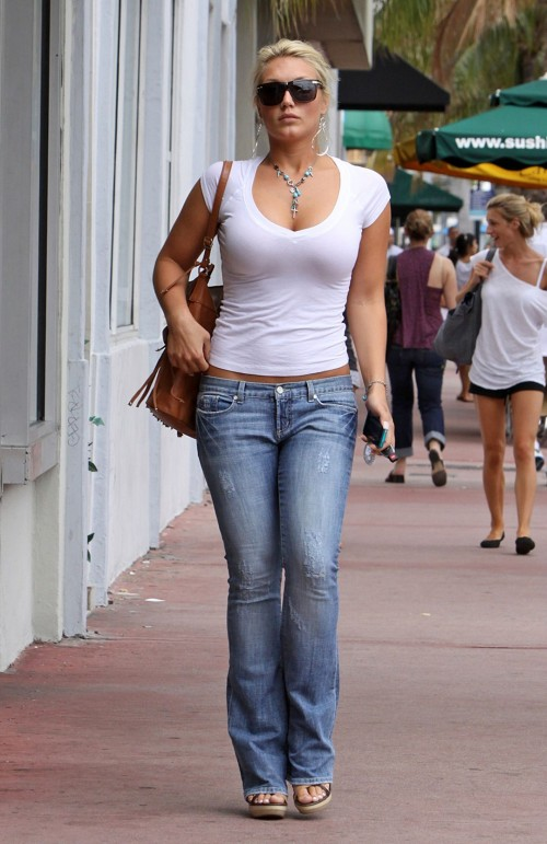 Brooke-Hogans-Feet-1007121962c1b9083b4.jpg