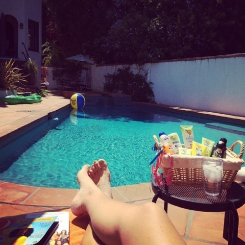 Busy-Philipps-Feet-207ad878e987440372.jpg