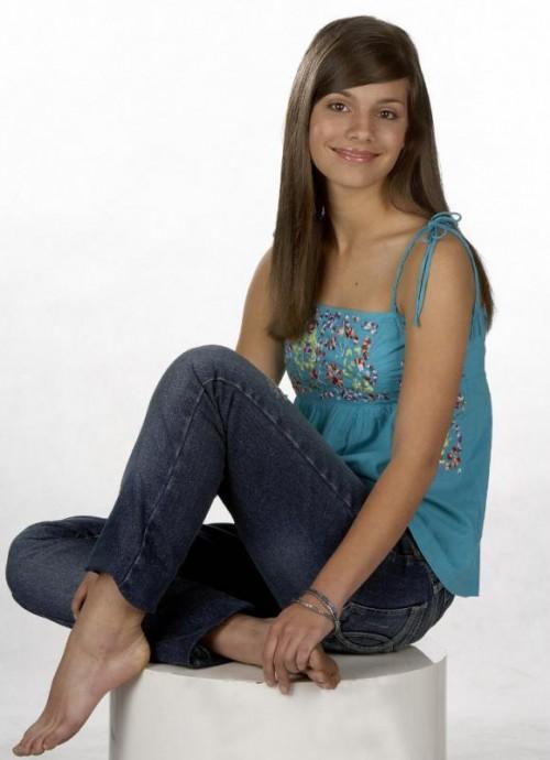 Caitlin-Staseys-Feet-8d47e666c6eff15f3.jpg