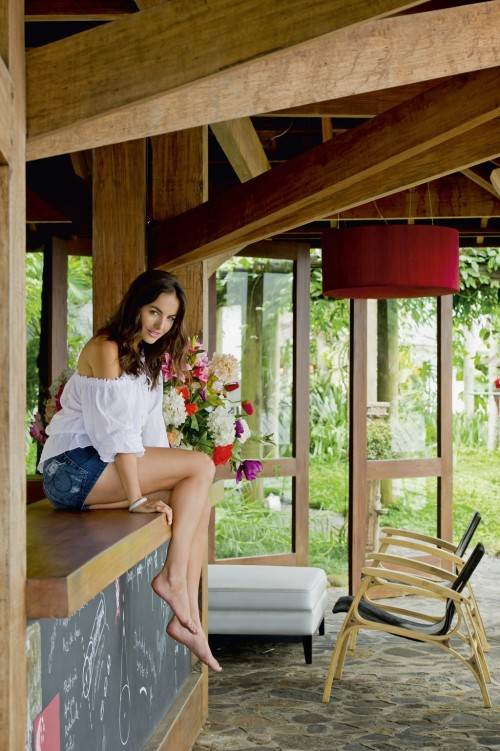 Camilla-Belle-Feet-1352979325713ce361.jpg