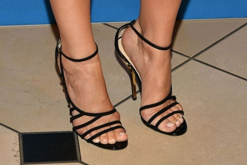 Camilla-Belle-Feet-15f27121eb6463a383.jpg