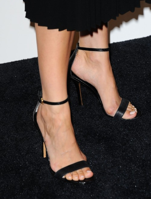 Camilla-Belle-Feet-18289298460ee599b0.jpg