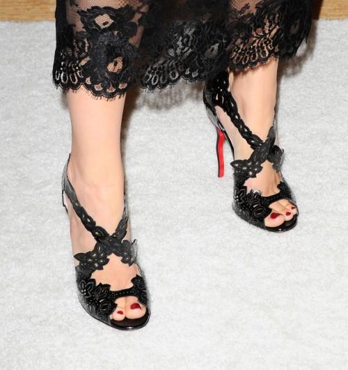 Camilla-Belle-Feet-228b23ba4dba32e5a2.jpg