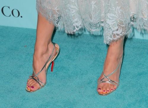 Camilla-Belle-Feet-23f36a441c2ed91818.jpg