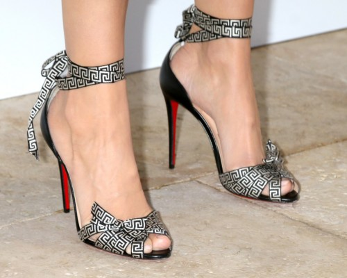 Camilla-Belle-Feet-2966eb9991ba0f06eb.jpg