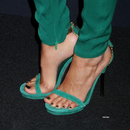 Camilla-Belle-Feet-648191f8046550550.jpg
