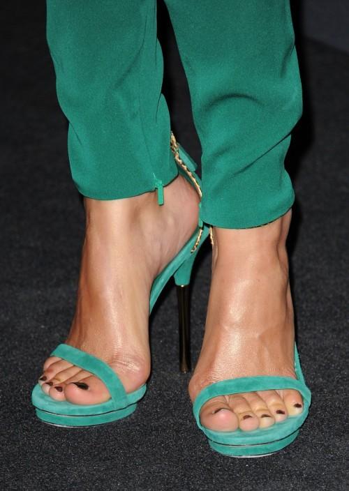 Camilla-Belle-Feet-726ce092ab4abb371.jpg