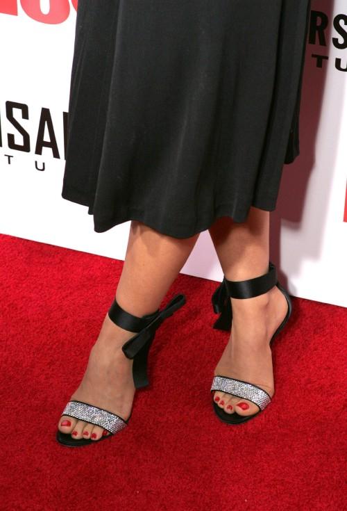 Carmen-Electra-Feet-263157901c1809f61578f47.jpg