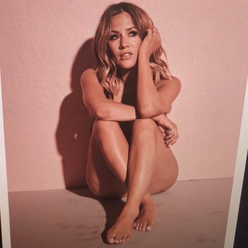Caroline-Flack-Feet-154659a4c129a83419.jpg
