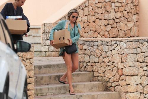 Caroline-Flack-Feet-2511ce6ce0d163f9a5.jpg