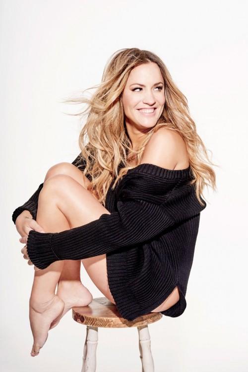 Caroline-Flack-Feet-31b18c6cbb3de59636.jpg