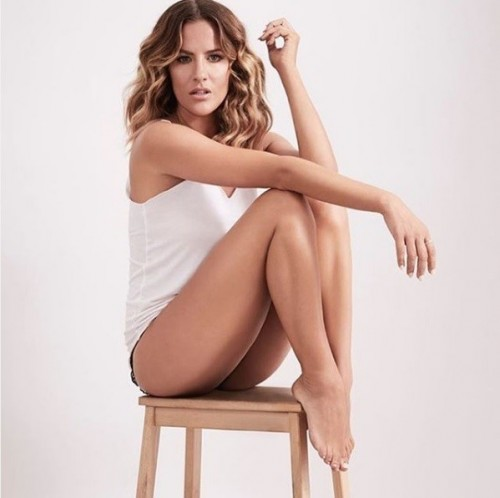 Caroline-Flack-Feet-6980171356693251f.jpg