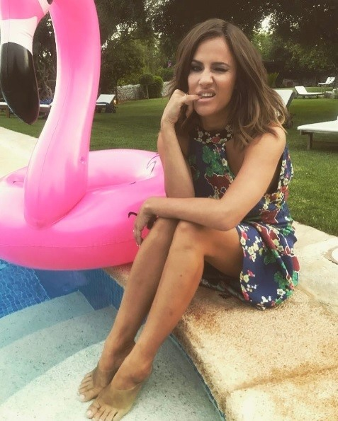 Caroline-Flack-Feet-997636bd33d304878.jpg