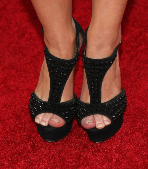 Carrie-Keagan-Feet-14e025f0fe38495127.jpg