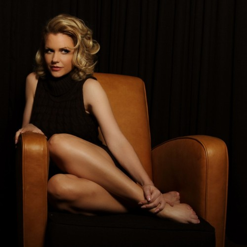 Carrie-Keagan-Feet-19ec80419362011e83.jpg