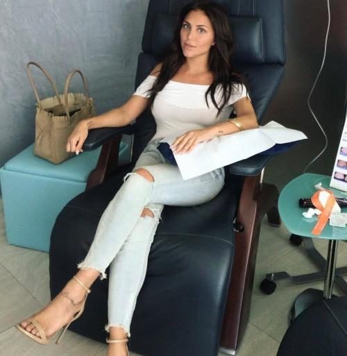Cassie-Scerbo-Feet-1099b9a04bd23927ec.jpg