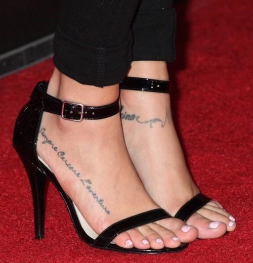 Cassie-Scerbo-Feet-21818ed2052a101998.jpg
