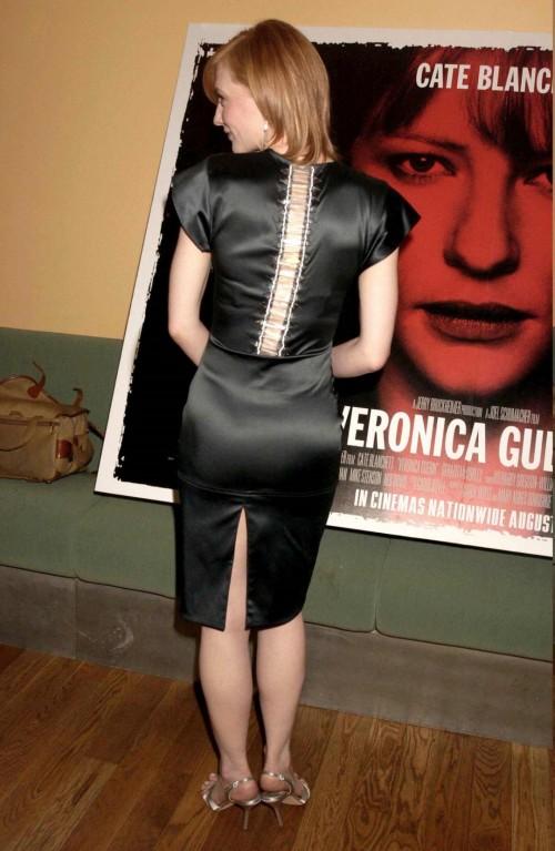 Cate-Blanchetts-Feet-154694cc963aff17098.jpg