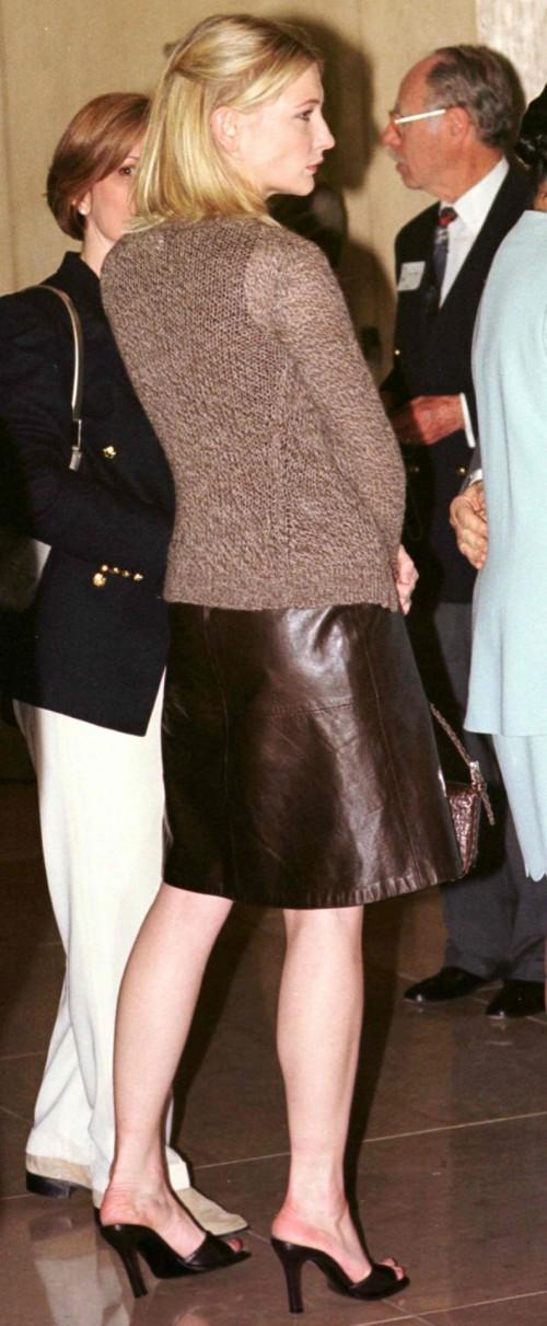 Cate-Blanchetts-Feet-158d96f8443af22fc10.jpg