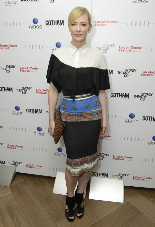 Cate-Blanchetts-Feet-162a2ed2d6bce4ec818.jpg