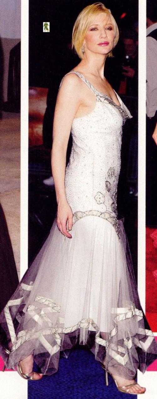 Cate-Blanchetts-Feet-177d95f2d4ce3e61665.jpg