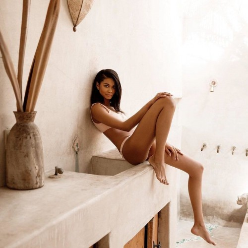 Chanel-Iman-Feet-1176227da4e191022d.jpg
