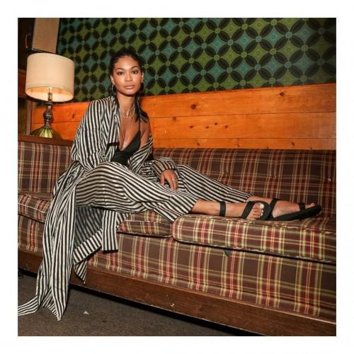 Chanel-Iman-Feet-91b5b2b9763810a28.jpg