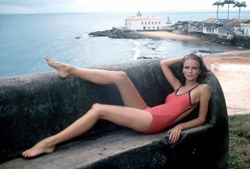 Cheryl-Tiegs-Feet-759000698d9552f60.jpg