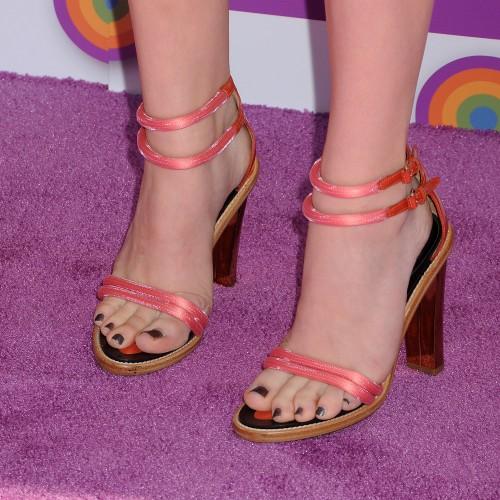 Chloe-Grace-Moretzs-Feet-704a43efbc6f6b4205.jpg