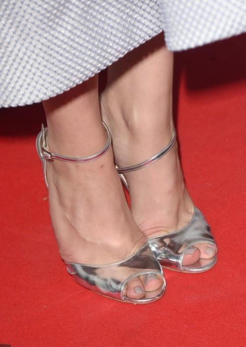 Chloe-Grace-Moretzs-Feet-7751ce7b698c847b26.jpg