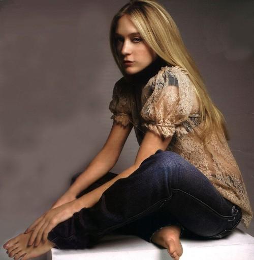 Chloe-Sevigny-Feet-156e0628b9f361083a.jpg