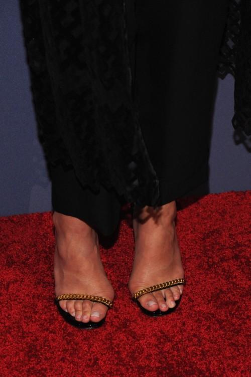 Chrissy-Teigen-Feet-Close-up-113b54d126b6f18c75.jpg