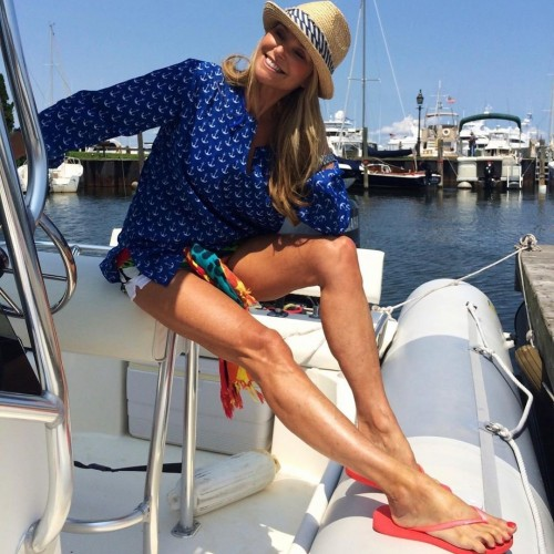 Christie-Brinkley-Feet-13b2d4bdc71dc48605.jpg