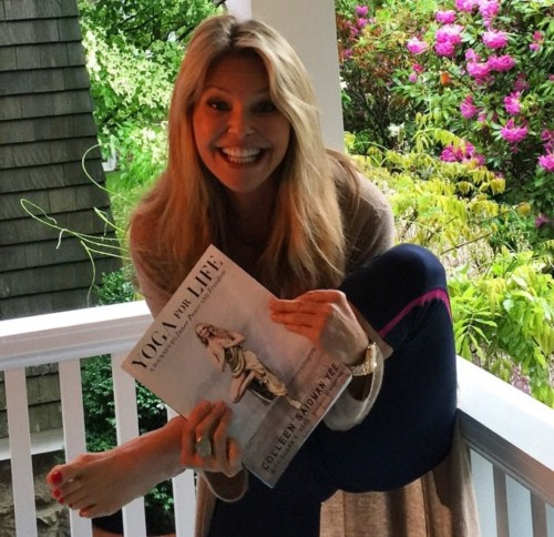 Christie-Brinkley-Feet-184b2c865b7e7ffc3d.jpg