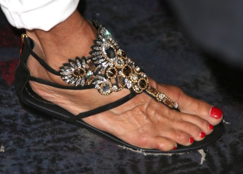 Christie-Brinkley-Feet-18686f5a81f5f4075.jpg