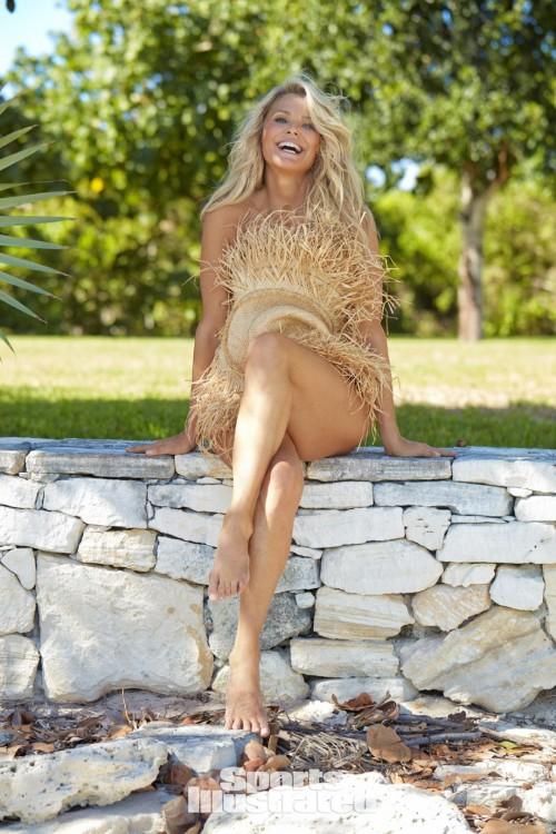 Christie-Brinkley-Feet-5beec87f3dda0d7c5.jpg