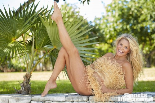 Christie-Brinkley-Feet-6303560f3c5342a2b.jpg