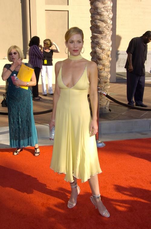 Christina-Applegate-Feet-20301a32dbf64d5dc008a.jpg