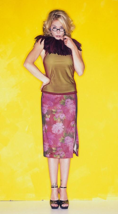 Christina-Applegate-Feet-2030259d2df294cab9c30.jpg