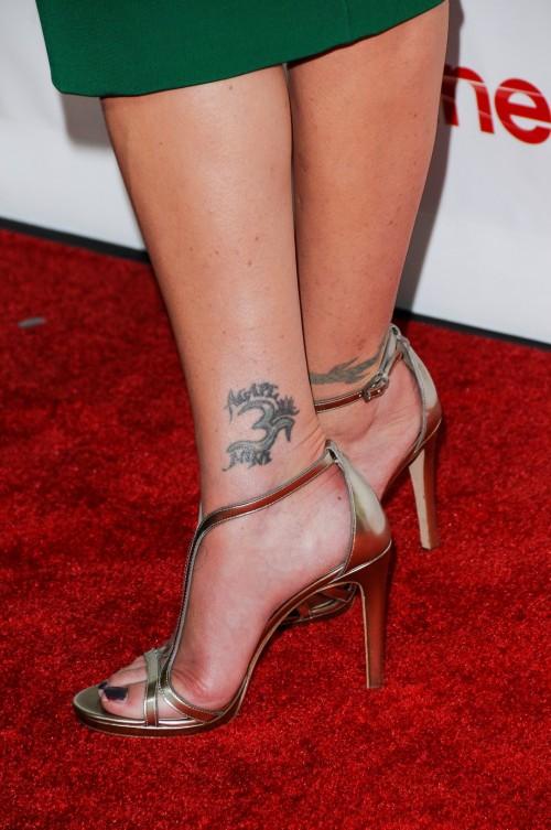 Christina-Applegate-Feet-31002247871ce26b9f.jpg