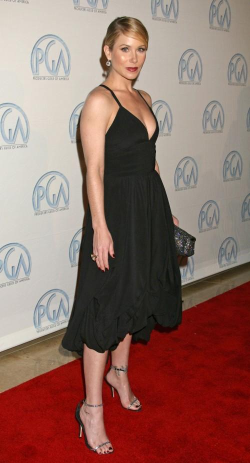 Christina-Applegate-Feet-409614589d326b30502a9.jpg