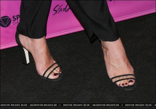 Christina-Applegate-Feet-423e532a91c28c4e9e.jpg