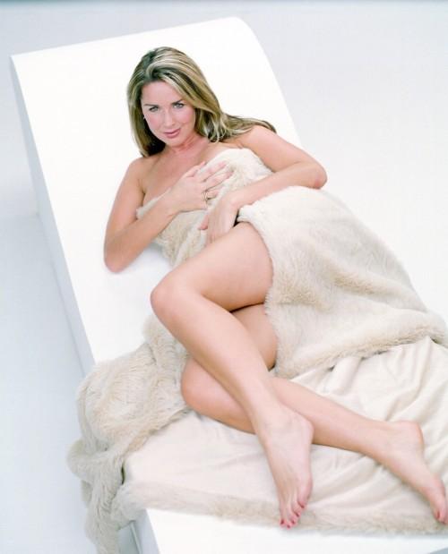 Claire-Sweeney-Feet-221f668ee3ff7cb59.jpg