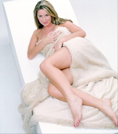 Claire-Sweeney-Feet-4d01fc715b24c3e2c.jpg