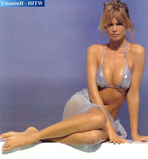 Claudia-Schiffer-Feet-4c401f8fb3a334cc7.jpg