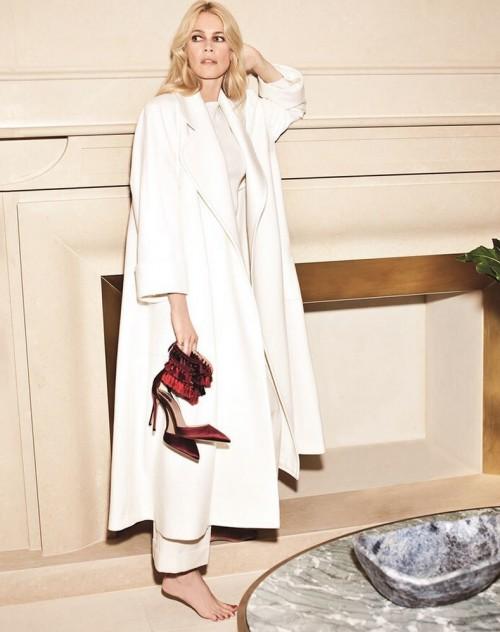 Claudia-Schiffer-Feet-77ca5b705c6a17063.jpg