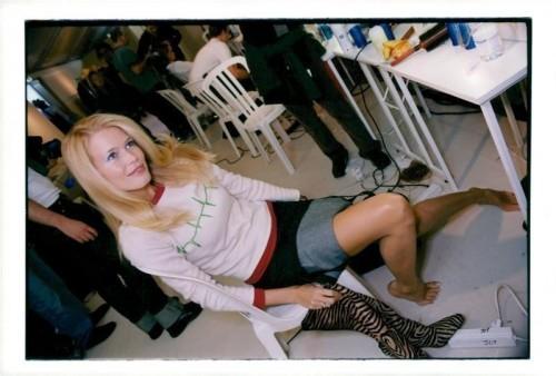 Claudia-Schiffer-Feet-91927a10838fb5cfb.jpg