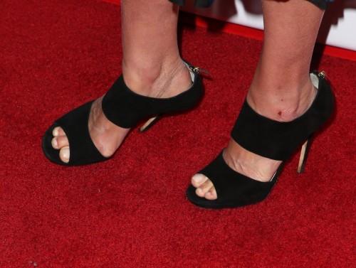 Cobie-Smulderss-Feet-19540400862fcfd8e0.jpg