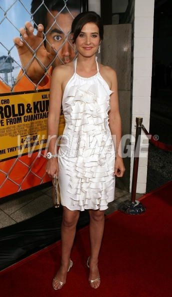 Cobie-Smulderss-Feet-43fa0f98f7265f9b6.jpg